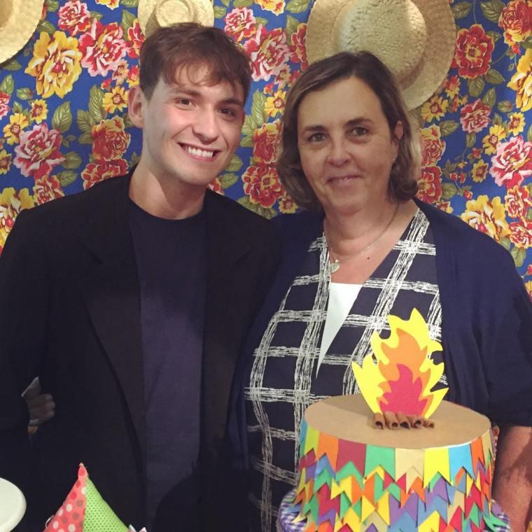 Escritor Gean Zanelato e Colunista Viviane Bevilaqua durante festa junina em 2016.